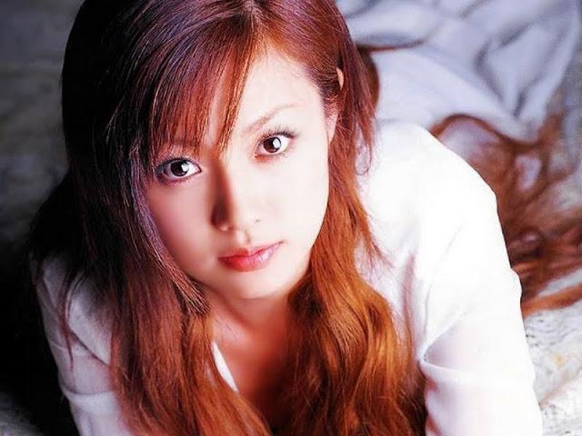 Model Fukada Kyoko