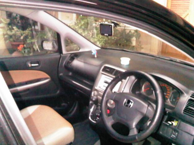 interior honda stream 2012