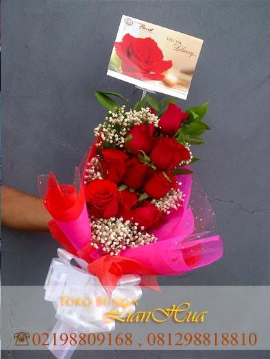 hanbuket, handbouquet mawar merah bagus