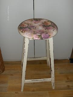 inspiracja jak ozdobić krzesło vintage