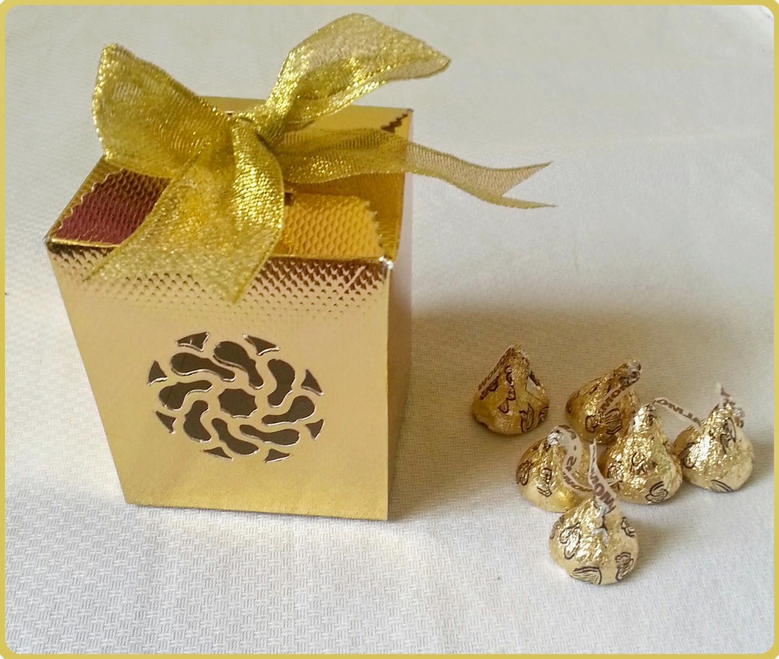 Sample door gift s le door gift u0026 50 pieces of choc for Idea door gift kahwin bajet