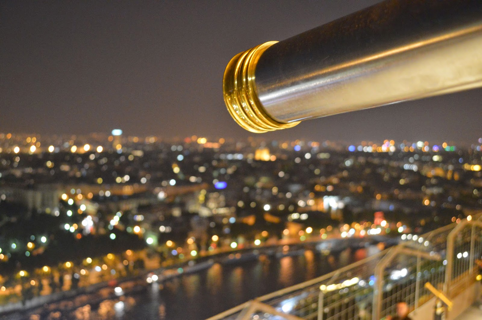A view from the top of the Eiffel Tower at night