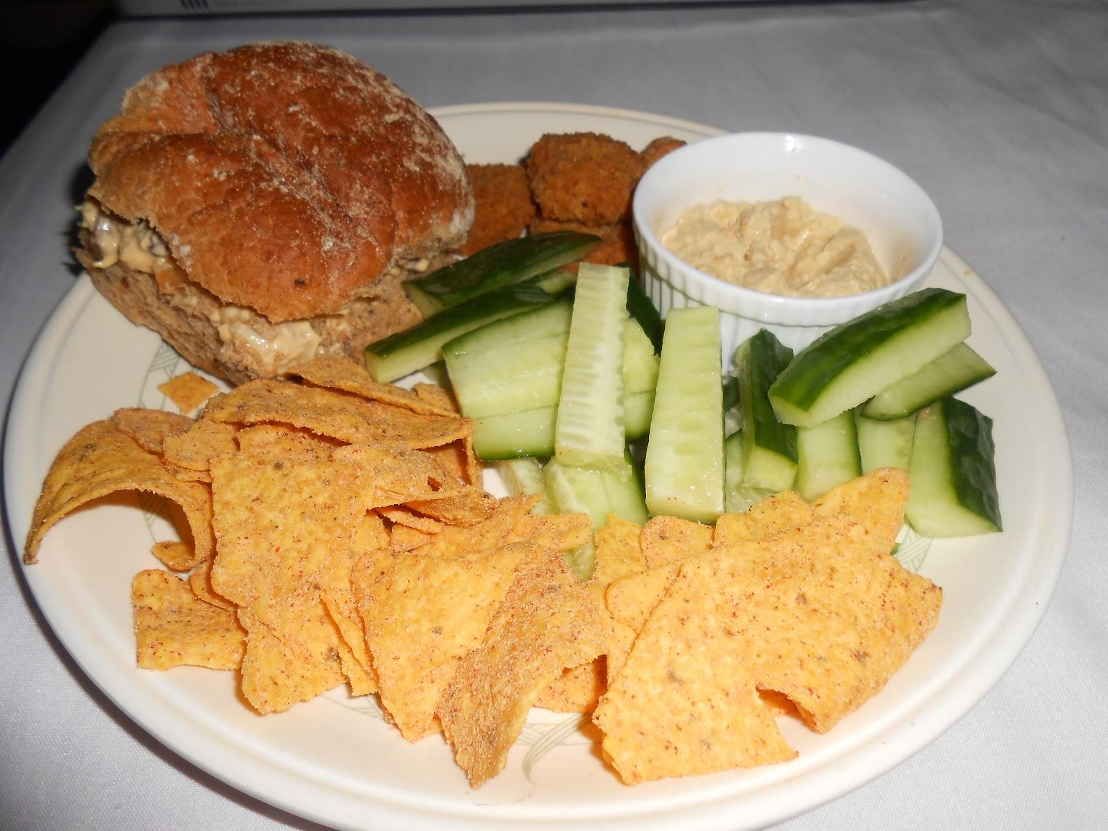 EmilyBelleBlogs: A healthyish Lunchtime feast :D