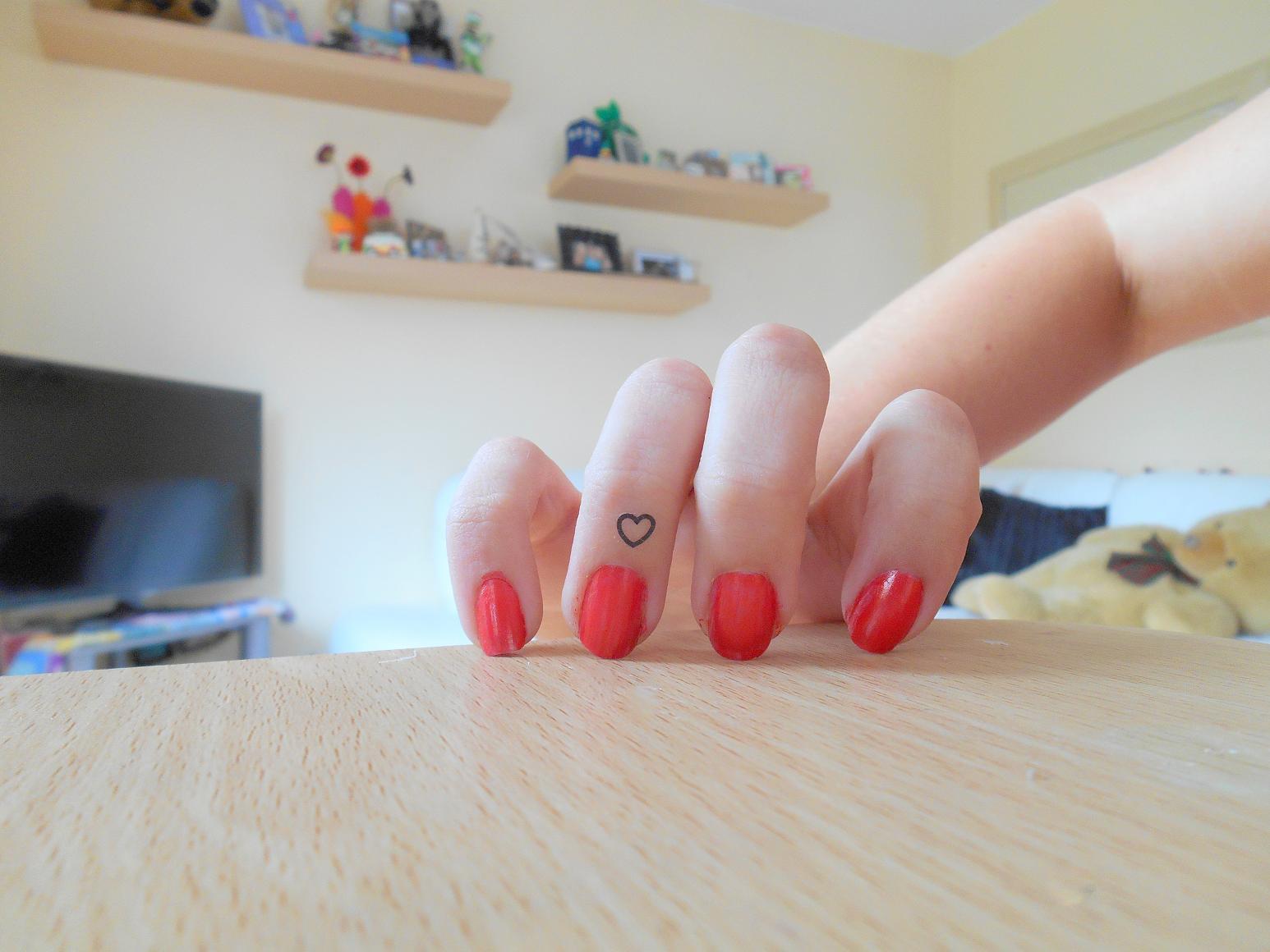 MAKE me UP - UK Beauty Blog: Make Up Reviews Beauty Tips ...