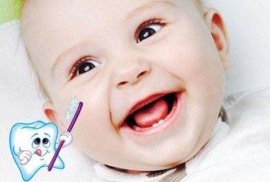 baby first teeth, brush baby teeth