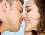 Gambar 6 Penyakit Yang Dapat Menular Melalui Ciuman penyakit menular ciuman  Ciuman