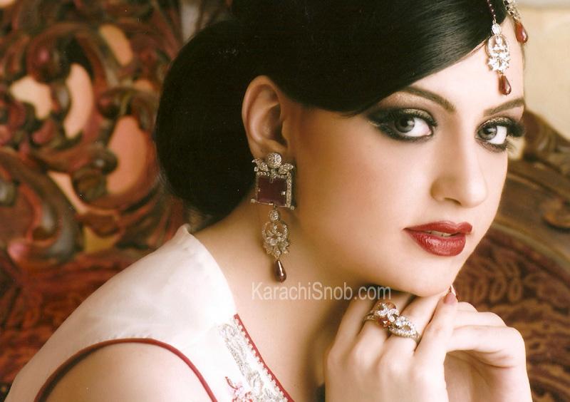Bridal Makeup Ki Photo : Pakistan Fashion: Engagement MAkeUp