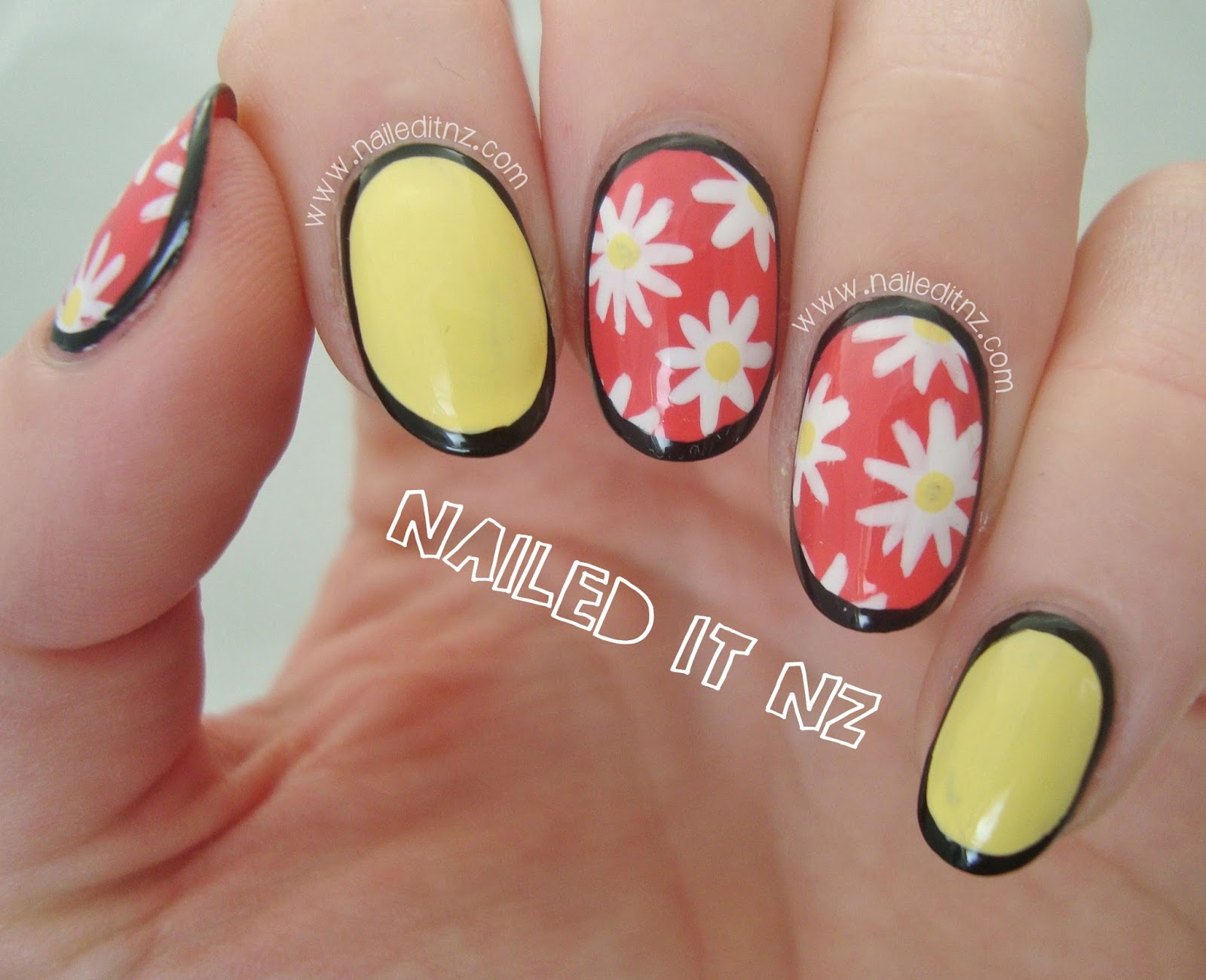 Pastel Daisy Border Nails