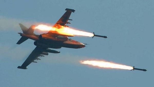 ΕΚΤΑΚΤΟ: Ρωσικά μαχητικά ισοπεδώνουν τα συροτουρκικά σύνορα - Κτυπήθηκαν τουρκικά κομβόι (vid, φωτό)