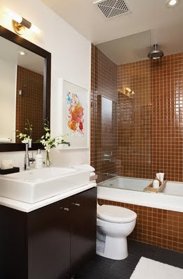 Small Bathroom Makeovers on Small Brown Tiled Small Bathroom Bathroomcanadian House   Home Jpg