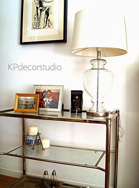 Mesas vintage y aparadores antiguos de metal cromado y cristal en valencia. Muebles vintage