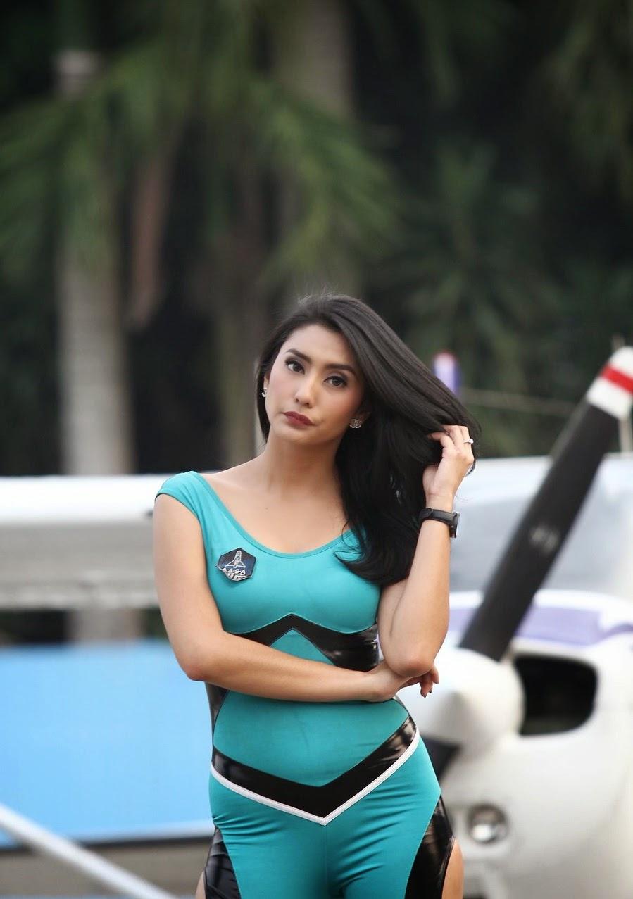 Foto Seksi Tyas Mirasih Iklan   Axe