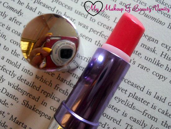 Colorbar Creme Touch Lipstick in Passionate 006+glossy lipstick