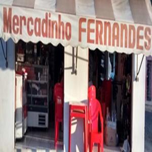 Mercadinho Fernandes, deseja feliz natal e feliz ano novo