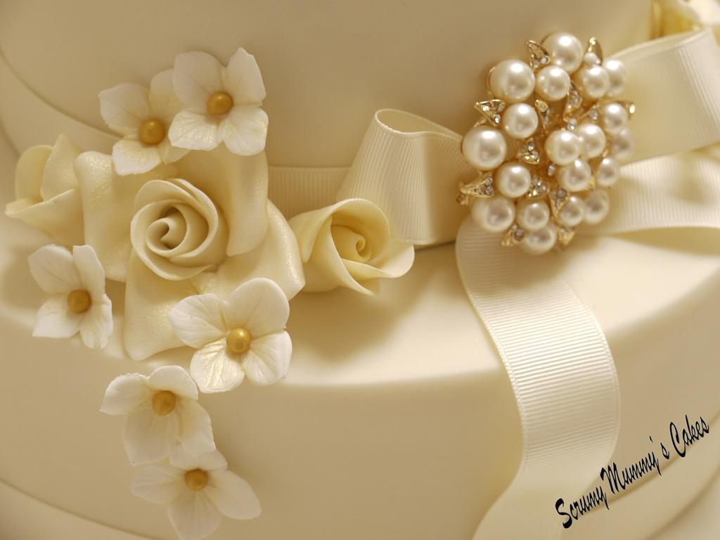Golden Wedding Cake Decorations Uk