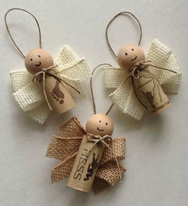 Adornos de navidad con corchos en Recicla Inventa