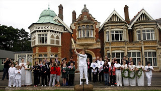 Next London Olympics 2012 : Olympic Flame Visits Bletchley Park
