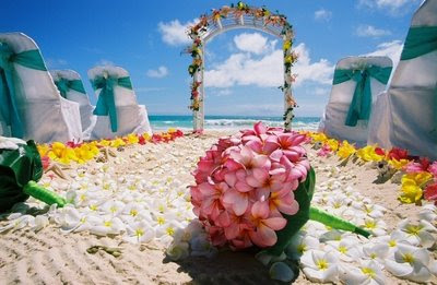 Wedding Arch Decorations on The Best Wedding Decorations  Hawaiian Wedding Decorations Guide