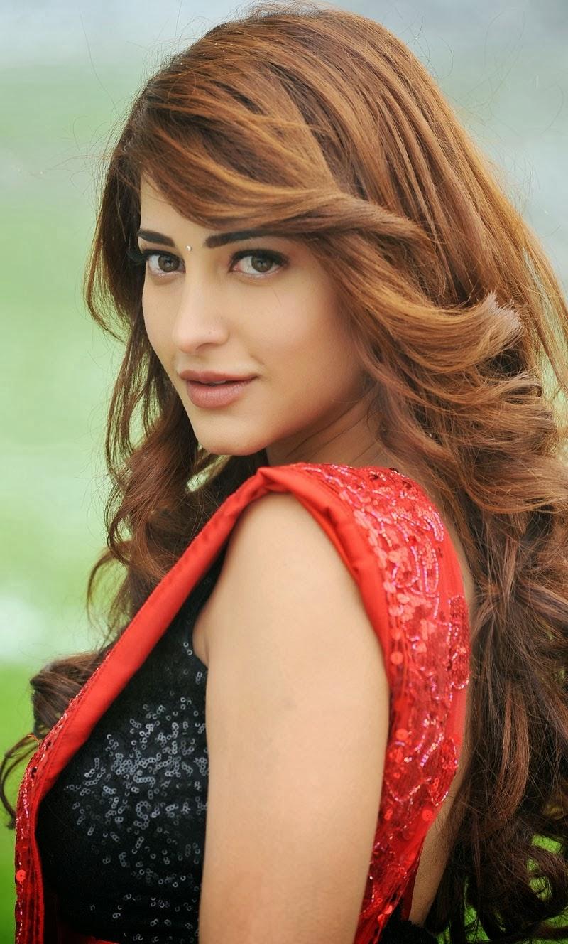 Telugump3songs Shruthi Hassan Latest Hot Photos