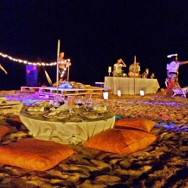 decoracao festa luau:Toda a festa, desde o convite, decoração, comidas e lembranças