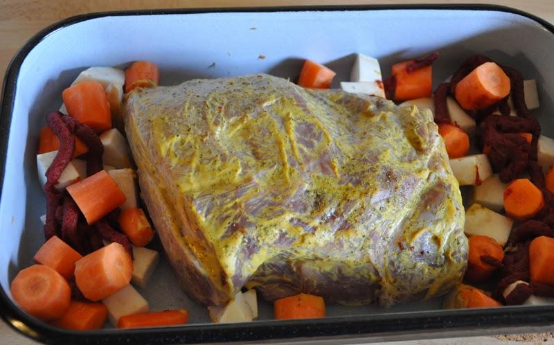 Lecker Sonntagsbraten | Fleisch mit Senfkruste und Wurzelgemüse