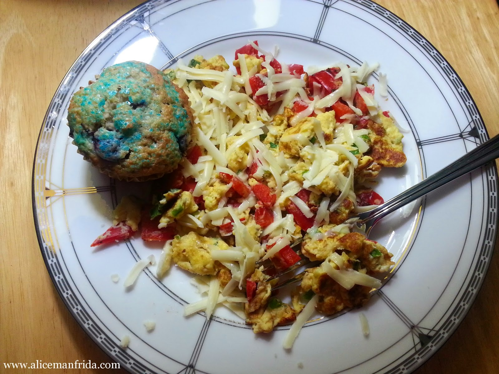 scrambled eggs, blueberry muffins