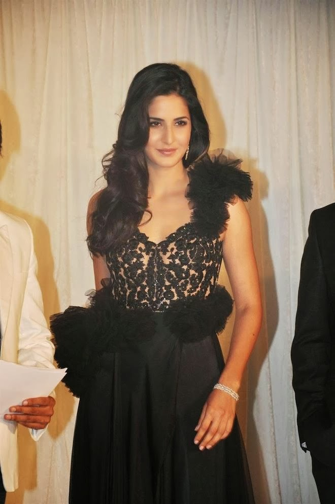 katrina-kaif-hot-pics-in-see-through-dress-1