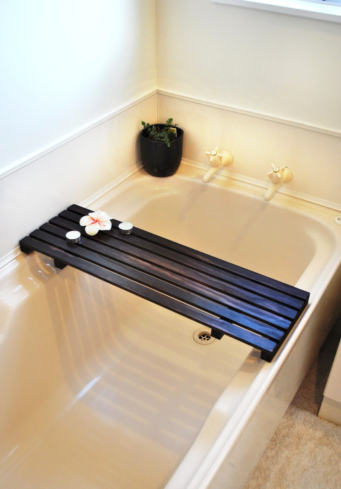diy kiwi how to build a timber bath caddy. Black Bedroom Furniture Sets. Home Design Ideas