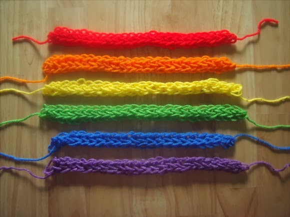 finger knitting scarf instructions