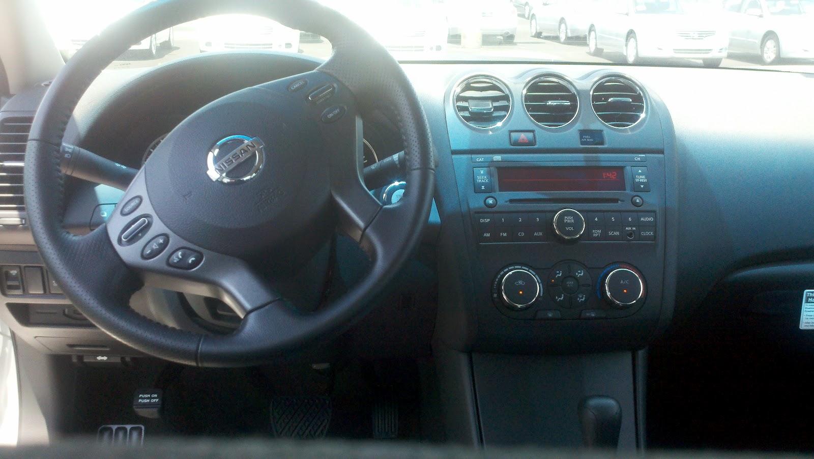 Nissan Altima: NISSAN Intelligent Key