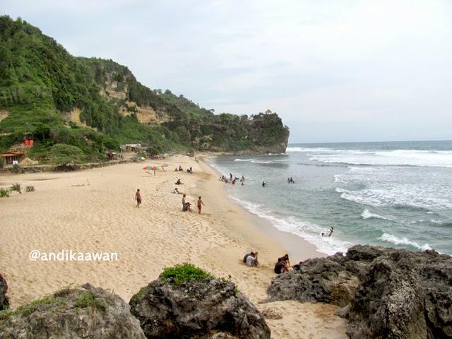 Wisata Pantai yang asri dan nyaman
