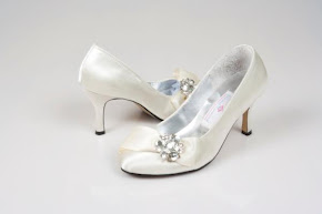 Vitnage Crystal Bow Shoes