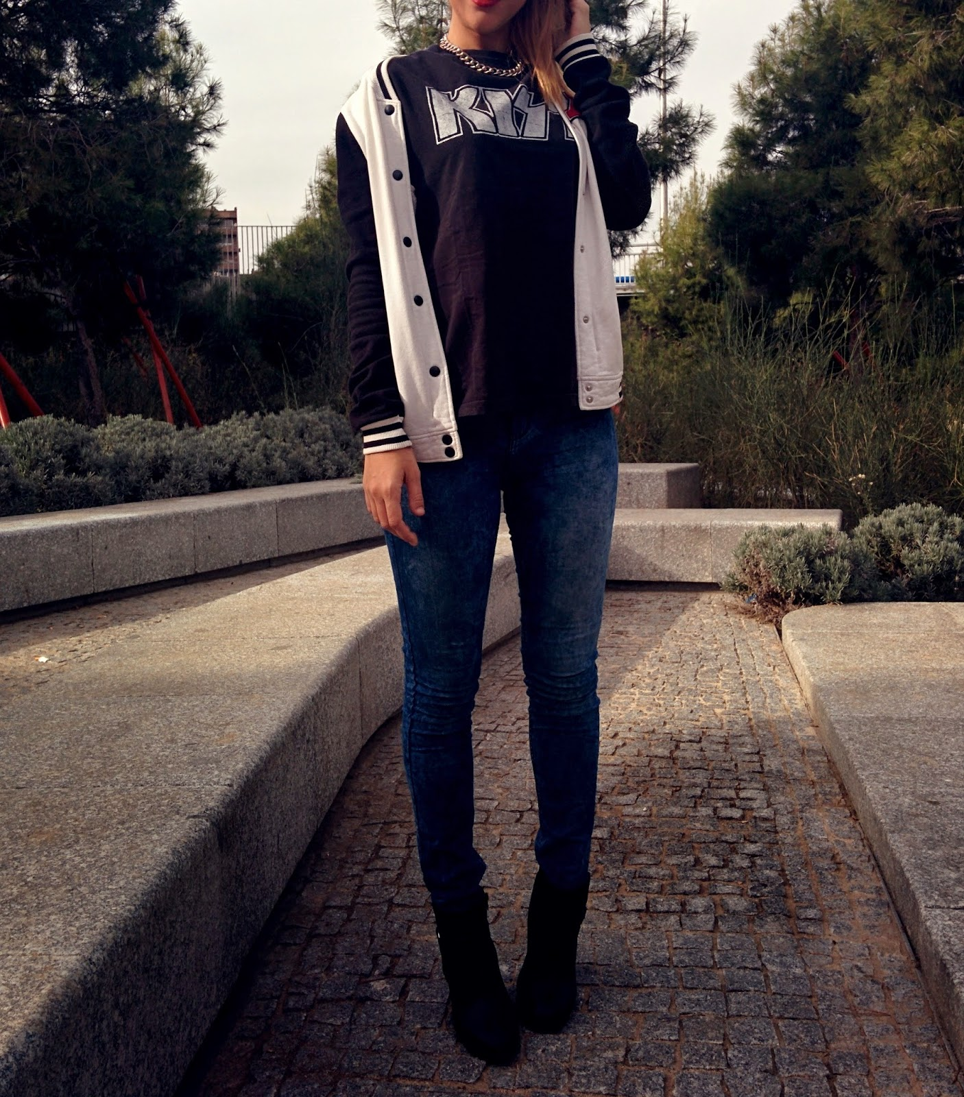outfit baseball jacket