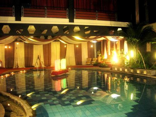 Kolam Renang Sate House Sriwijaya
