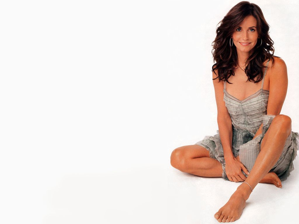 Courteney Cox Red Pics Wallpapers 2012