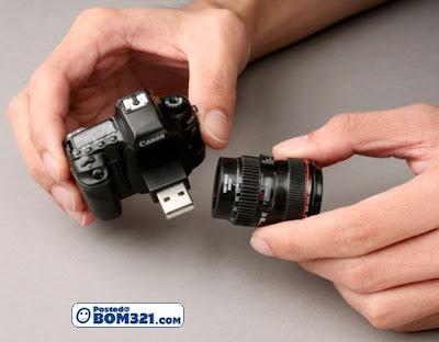 Pendrive Dengan Reka Bentuk Kamera Yang Menarik