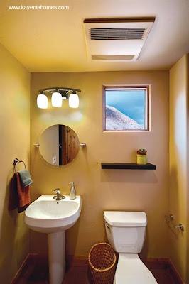 Cuarto de baño pequeño en casa de adobe americana