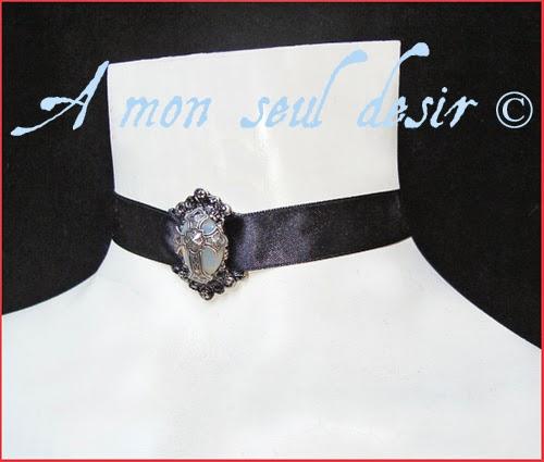 collier gothique victorien blanche opale ras du cou ras de cou satin noir croix argenté gothic gothik goth black choker necklace silver cross victorian white opale jewel