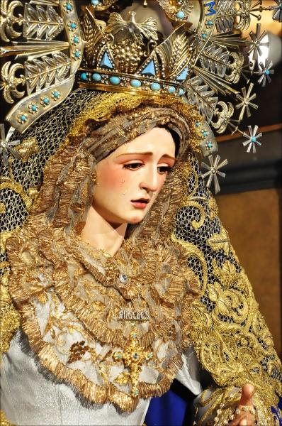 VIDA DE LA HERMANDAD AÑO III Besamanos+Virgen+de+los+%25C3%2581ngeles+Los+Negritos+Sevilla+2012+%25289%2529