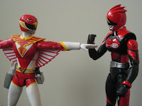 SH Figuarts Red Hawk 10