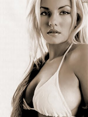 cute pics gallery elisha cuthbert sexy photo shoot