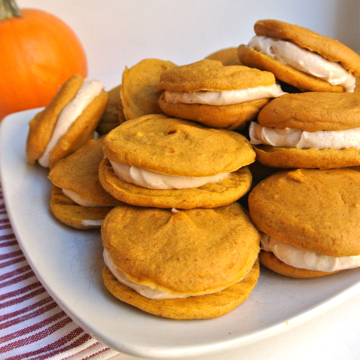 Mom, What's For Dinner?: Pumpkin Whoopie Pies