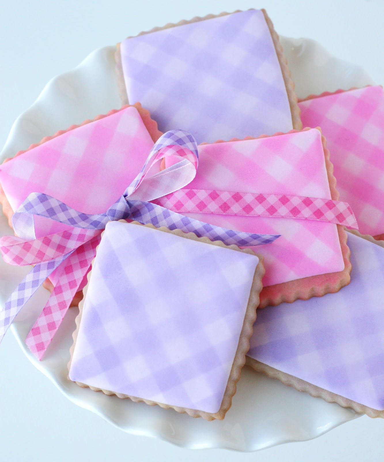 Easy Gingham Cookies {Cookie Decorating} – Glorious Treats