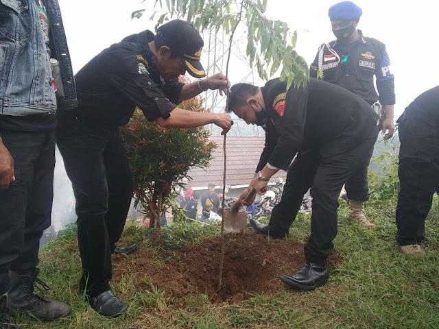 Peringatan Hari Pohon Sedunia, GIBAS Tanam .1000 Pohon
