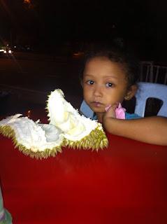 Hantu Durian' Tak Duduk senang paksa beli durian cepat!