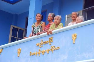 ဆရာမသန္းျမင့္ေအာင္နဲ႔ ဆည္းဆာရိပ္ျမင္ကြင္း  – Than Myint Aung