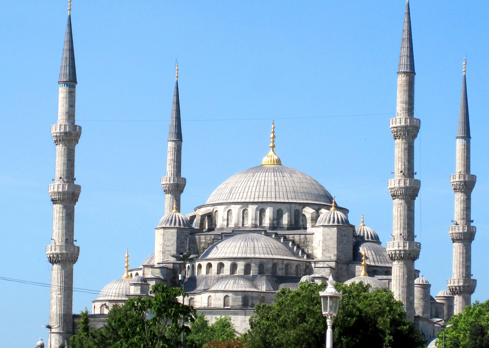 Cannundrums: Sultan Ahmed or Blue Mosque - Istanbul