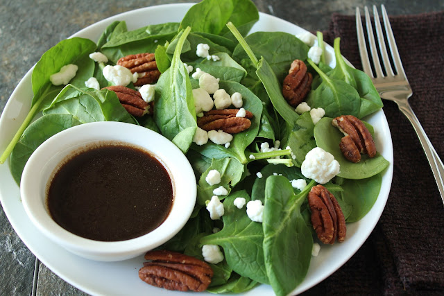 toasted pecan and goat cheese spinach salad with balsamic vinaigrette