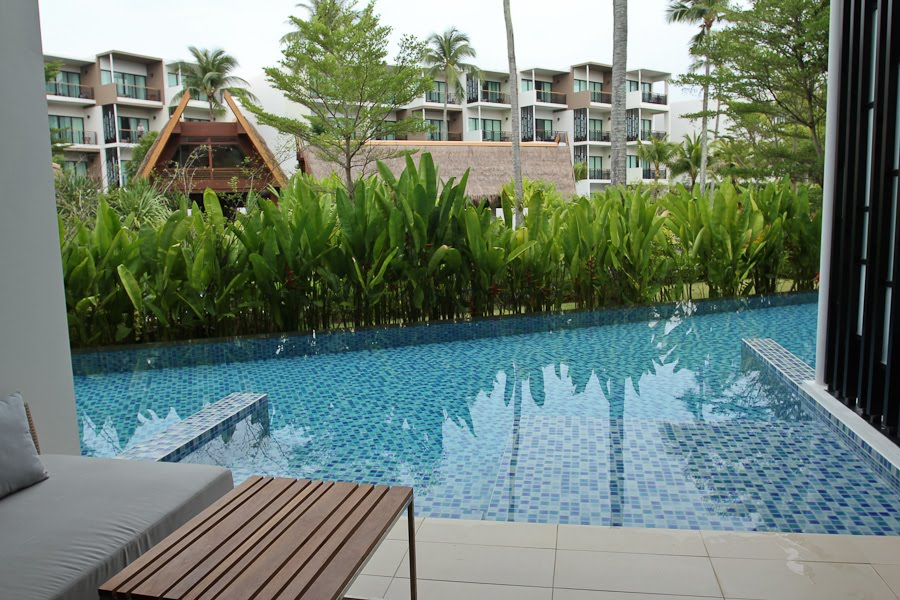In the sky pool access deluxe room holiday inn resort mai khao phuket thailand - The sky pool a deluxe adventure ...