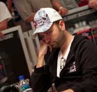 Daniel Negreanu, 2011 WSOP Event No. 40, Day 2